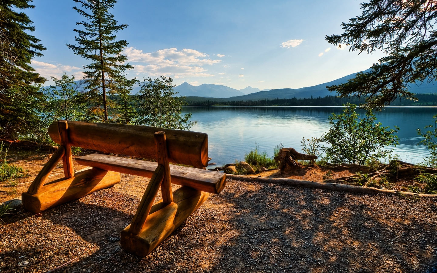 Wooden-Bench-Near-Lake-1440x900-Wallpaper-WallpapersHunt.com-